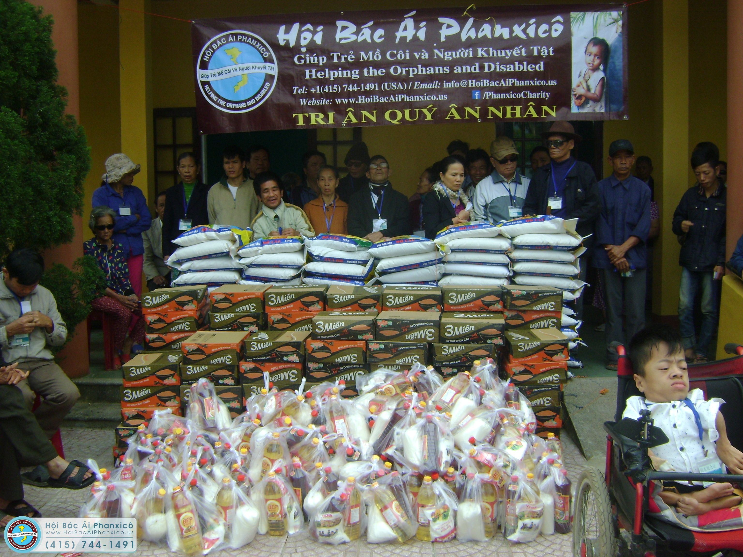 570 người tại Huế được nhận gạo tình thương